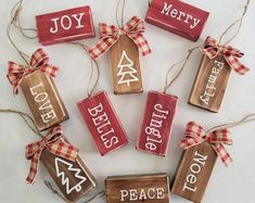 Farmhouse Christmas Ornaments, Wooden Christmas Decorations, Christmas Crafts To Sell, Christmas Blocks, Christmas Ornament Crafts, Holiday Crafts, Vintage Christmas Crafts, Etsy Christmas, Crafty Christmas Gifts