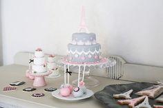 pink & gray sugar cake