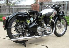 British Motorcycles, Cool Motorcycles, Vintage Motorcycles, Enfield Motorcycle, Super 4, Classic Bikes, Royal Enfield, Vintage Bikes, Custom Bikes