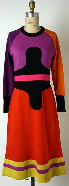 early 1970s, Wool Dress. Designer: Stephen Burrows (American, born 1943) Culture: American Dimensions: Length at CB: 44 in. (111.8 cm) Accession Number: 1987.136.4