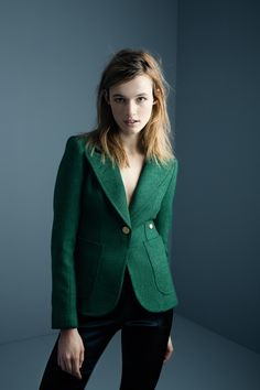 Patch+Pocket+Duchess+Blazer+in+kelly+green+with+rust+suede Love the green colour and the wide collar