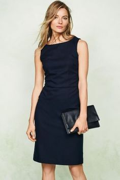 Simple and Elegant little black dress to copy for a night event. She is also wearing a black leather clutch. Next Dresses, Dresses For Work, Buy Dresses Online, Professional Wardrobe, Navy Dress, Mode Inspiration, Dress To Impress, Fashion Looks, Street Style
