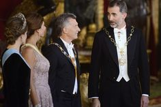 King Felipe VI of Spain (R) and Queen Letizia of Spain (L) receive Argentina's President Mauricio Macri (2R) and wife Juliana Awada (2L) for an Gala Dinner at the Royal Palace on February 22, 2017 in Madrid, Spain.