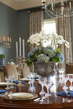 Gorgeous centerpiece design for a dinner party! #orchids #floral #entertain