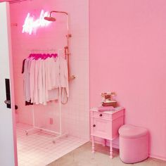 Baby ♡ girl pink aesthetic colores de interiores, rosa pastel и colores par Baby Pink Aesthetic, Aesthetic Colors, Boutique Interior, Gouts Et Couleurs, Led Neon, Fashion Design Inspiration, Tout Rose, Pink Room, Everything Pink