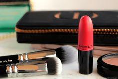 Retro Matte Lipstic Ruby Woo M.A.C Cosmetics.    Sur mon blog beauté, découvrez mon avis sur ce rouge à lèvres légendaire:  https://www.needsandmoods.com/mac-retro-matte-lipstick/    #MAC #MACCosmetics #RougeALevres #Lipstick #RetroMatteLipstick #RubyWoo #LipstickAddict  #TeamRubyWoo #blog #beauté #beauty #maquillage #makeup #swatch #BlogBeaute #BlogBeauté  #BeautyBlog #BeautyBlogger #BBlog #BBlogger #FrenchBlogger #BlogoCrew #octoly #OctolyFr #OctolyFrance