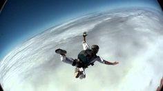 Omg! Dangerous stuff Paragliding, Skydiving, The Locals, Fighter Jets, Aircraft, Bucket, Aviation, Planes, Buckets