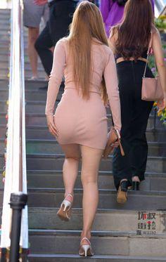 Street Girl, Street Style, Ariel Winter Feet, Beautiful Long Hair, Beautiful Women, Chinese Model, Short Skirts, Bodycon Dress, Shirt Dress