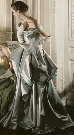 ♥ Romance of the Maiden ♥ couture gowns worthy of a fairytale - Charles James detailed gown, 1948