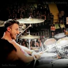 Love this drummer, Shannon Leto