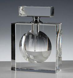 Art Deco Perfume Bottle #BookofLostFragrances #Suspense #Novel Art Deco, Art Nouveau, Bottles And Jars, Glass Bottles, Parfum Mademoiselle, Verre Design, Perfume Packaging, Antique Perfume Bottles, Beautiful Perfume