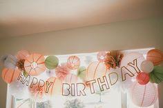 décor anniversaire original, anniversaire petite fille, déco pastelle, lampions, lanternes