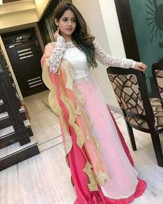 😊Features pink and white embroidered georgette lehenga set available for only 👉To buy whatsapp us on 👉Cod available ✔️ %Assured Original Quality ✔️ . Indian Gowns Dresses, Pakistani Dresses, Indian Outfits, Designer Party Wear Dresses, Kurti Designs Party Wear, Saris, Stylish Dresses, Fashion Dresses, Formal Dresses