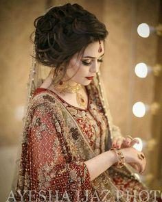Pakistani Wedding Outfits Lovely Pin by Javeria Kashif On - Pakistani Wedding Outfits Lovely Pin by Javeria Kashif On Source by uniquecreationsbyamalia - Bridal Mehndi Dresses, Bridal Dress Design, Bridal Wedding Dresses, Bridal Outfits, Asian Wedding Dress, Pakistani Wedding Outfits, Pakistani Bridal Dresses, Pakistani Bridal Makeup Hairstyles, Bridal Makeover