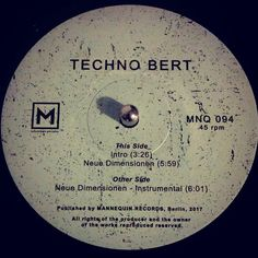 #nowspinning Techno Bert - Neue Dimensionen. Mannequin: MNQ 094 (2017). It's 1990. I'm working in Muswells kitchen with @planetpatrolgallery who has been sent the latest Colin Dale Kiss FM tape. This plays. It's amazing. 27 years later I buy the repress. Still amazing. #techno #newbeat #technobert #neuedimensionen #mannequin #dnb #drumandbass #drumnbass #jungle #vinyl #vinyljunkie #record #recordcollector #recordcollection #recordplayer #igvinylclub #igvinylcommunity #instavinyl