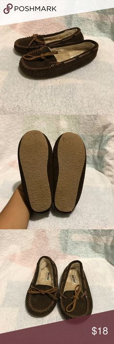 Minnetonka Kids Brown Loafers Size 1 Euc  Brown moccasins Shoes Moccasins