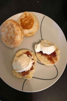 The Kmart pie maker scones Mini Pie Recipes, Waffle Maker Recipes, Cake Recipes, Sunbeam Pie Maker, Baking Ideas, Baking Recipes, My Pie, Mini Pies, School Lunches