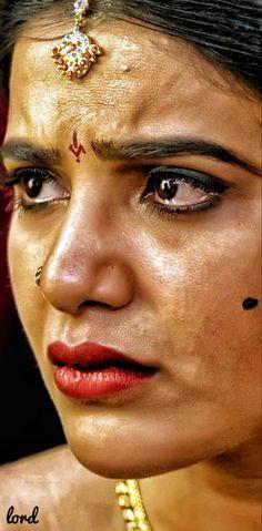 Beautiful Bollywood Actress, Beautiful Indian Actress, Hot Actresses, Indian Actresses, Priyanka Chopra Makeup, Actress Without Makeup, Indian Heroine, Hot Images Of Actress, Samantha Photos