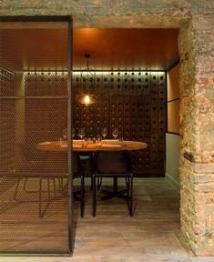 Very Organic, Welcoming Restaurant Decor by Kinnersley Kent Design
