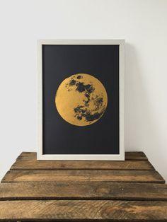 Mond Print Gold Print realistische Mond Boho von owlsroadstudio