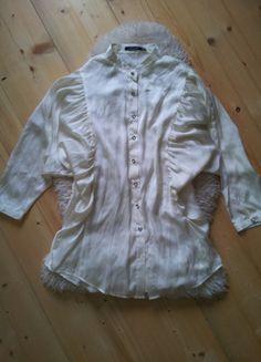 Įsigyk mano drabužį #Vinted http://www.vinted.lt/moteriski/marskiniai/16885134-kreminiai-atmosphere-marskinukai-pustomis-rankovemis