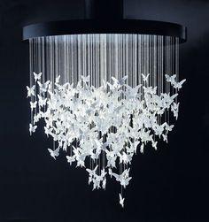 Papillons de lumière au plafond Une splendeur en porcelaine de chez LLadro. A voir avec des papillons ou autres en papier?? Ou en PAM??