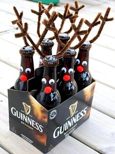 reindeer beer bottles for Xmas eve box More 50 DIY Christmas Presents (Part - I created a list of 50 homemade (DIY) Christmas gift ideas that are suitable to just about anybody on your list! Christmas Beer, Easy Diy Christmas Gifts, Homemade Christmas Decorations, Cheap Christmas, Handmade Christmas Gifts, Diy Christmas Gifts For Dad, Christmas Ornaments, Funny Christmas, Easy Diy Gifts