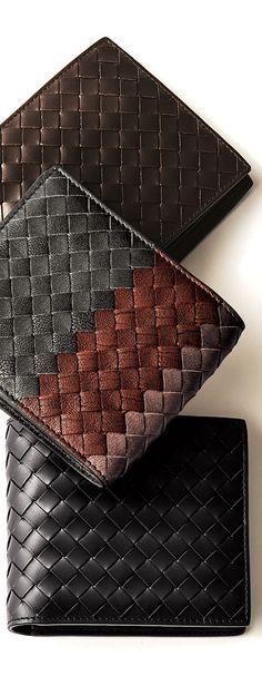 @bottegaveneta | Leather wallet with credit card slot >> http://www.giglio.com/eng/accessories-man_wallet-intrecciato-with-credit-cards-slots-bottega-veneta-113993v4651.html?utm_source=pinterest&utm_medium=socialv&utm_campaign=bottegaveneta  - shared by @hugic