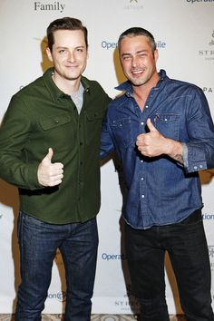 Jesse Lee Soffer Photos Photos - Actors Taylor Kinney (R) and Jesse Lee Soffer attend Operation Smile's Celebrity Ski & Smile Challenge Presented by the Rodosky Family on March 11, 2017 in Park City, Utah. - Operation Smile's Celebrity Ski & Smile Challenge Presented by the Rodosky Family