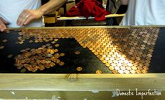 Penny countertops/tables, paint black underneath, and frame out with a lip that the pennies fit under. Penny Countertop, Butcher Block Countertops, Diy Countertops, Diy Furniture Easy, Refurbished Furniture, Painted Furniture, Beer Table, A Table, Counter Top Edges