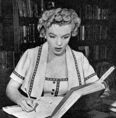 Marilyn Monroe photographer by Mel Traxel, 1952.