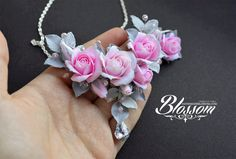Etsywww.etsy.com/listing/253024752… Jewelry set with roses from polymer clay Fimo Necklace: Compositions width 8,5 cm. Center rose 2,5cm, other roses 2cm. Gray bead is Swarovski crysta...
