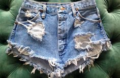 DIY Distressed Shorts! Learn how to make them yourself!