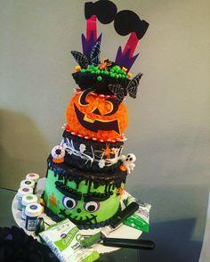 Halloween mega cake @kkacheesky_ by me.