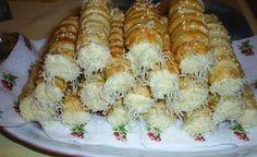 Sajtroló – Ez tényleg nagyon finom, tessék-tessék kipróbálni - MindenegybenBlog Hungarian Recipes, Cauliflower, Sushi, Muffin, Food And Drink, Cheese, Vegetables, Ethnic Recipes, Cauliflowers