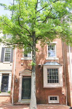 townhouse in Washington, D.C. looks like my childhood home!