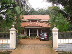 Evergreen and top 100 best Indian house designs model photo gallery a Kerala Model Houses are the best Indian houses and no other states can see such awesome kerala house models. Kerala House designs here Another best kerala and tamil nadu model house Indian Home Design, Indian House, Bungalow House Design, Earthship, Barndominium, Cob, Model Photos, Design Model, Kerala