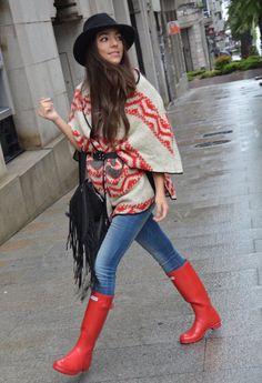 Ethnic for rainy days  , Zara en Túnicas, Hunter en Botas