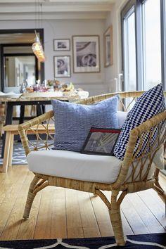 Zeer verheugd ging ik afgelopen woensdag naar de perspresentatie van de STOCKHOLM 2017 collectie. Na een korte rit vanaf IKEA Amsterdam arriveerden wij bij een woonark idyllisch gelegen aan het wat… Ikea Stockholm Chair, Stockholm 2017, Ikea Sofa, Ikea Chair, Cane Sofa, Ikea Bank, Cane Furniture, Slow Living, Living Room Interior