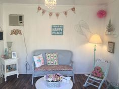 """18 Adorable """"She Sheds"""" To Inspire Your Own Garden Escape – Home Office Design For Women Garden Shed Interiors, Summer House Interiors, Garden Sheds, Backyard Sheds, Lean To Shed Plans, Free Shed Plans, She Shed Decorating Ideas, Estilo Shabby Chic, Shed Homes"""