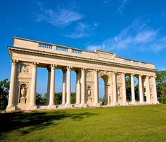 Colonade in Lednice-Valtice grounds (South Moravia), Czechia Prague, Historical Monuments, Czech Republic, Marina Bay Sands, Mansions, House Styles, Building, Castles, Amazing