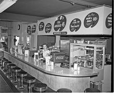 Mr B's Hamburgers, 1954