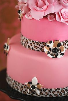 gorgeous leopard cake, love the patterned flowers for bridal shower Gorgeous Cakes, Pretty Cakes, Amazing Cakes, Fab Cakes, Cute Cakes, Torta Animal Print, Leopard Cake, Pink Leopard, Cheetah Cakes