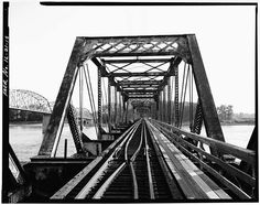 Alton Bridge, Spanning Mississippi River between IL & MO, Alton, Madison County, IL.  View of East (Pivot Span) Portal, Looking SW.  Library of Congress