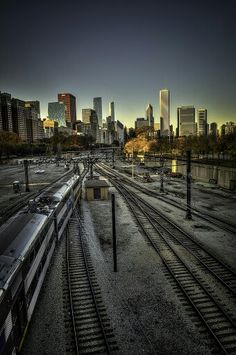Train tracks skyline (Chicago Pin of the Day, 11/19/2016).