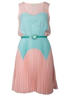 Petite robe d'été, teinte pastels