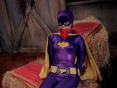 Batgirl Cosplay, Yvonne Craig, Batman Tv Series, Old Hollywood, Comic Books, Comics, Fictional Characters, Cartoons, Cartoons