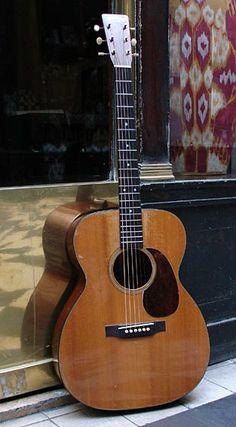 Martin 000-18 (1946) Acoustic Guitar