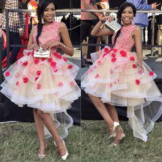 African Bridesmaid Dresses, African Wedding Dress, African Dress, African Fashion Ankara, African Inspired Fashion, Bride Reception Dresses, African Traditional Dresses, European Fashion, Ladies Dress Design