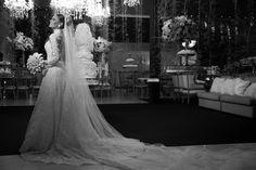 Noiva   Bride   Vestido   Dress   Vestido de noiva   Wedding dress   Bride's dress   Inesquecivel Casamento   Renda   Rendado   Vestido rendado   White dress   Vestido de mangas longas   Vestido rendado   Vestido moderno